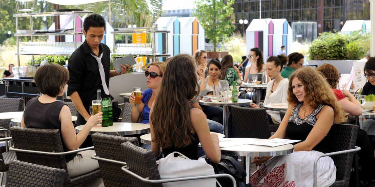 Quartier Lyon Part Dieu, vie quotidienne sur les Terrasses du centre commercial. © Crédits Laurence Danière.