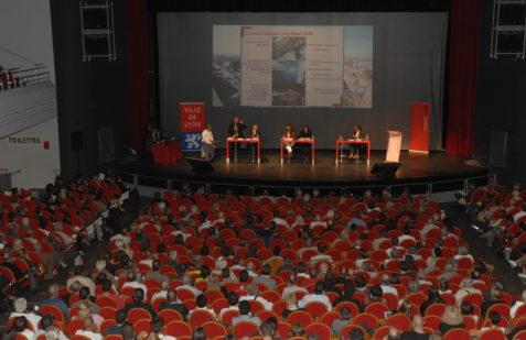Réunion publique à la bourse du travail, concertation pour le projet Lyon Part-Dieu.