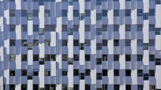 Détail de la façade Est de l'immeuble Equinox à Lyon Part-Dieu.