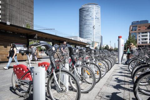 Station Vélo'v à Lyon Part-Dieu, mode de transports doux.