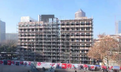 La démolition du bâtiment B10 en accéléré, place Charles Béraudier, Lyon Part-Dieu.