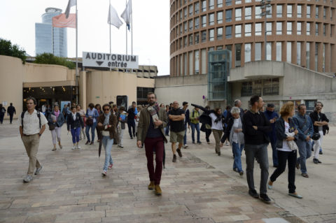 Promenades urbaines dans le quartier Lyon Part-Dieu, sur le thème de l'architecture, du béton et de la radicalité, animée par l'historien Nicolas Bruno-Jacquet et Valérie Disdier, directrice d'Archipel, durant Les Journées Européennes du Patrimoine, organisée par la Maison du Projet, Lyon le 17 septembre 2016